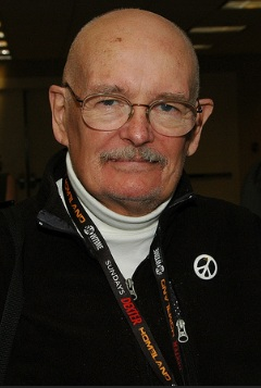 Dennis O'Neil (Earth-1218)