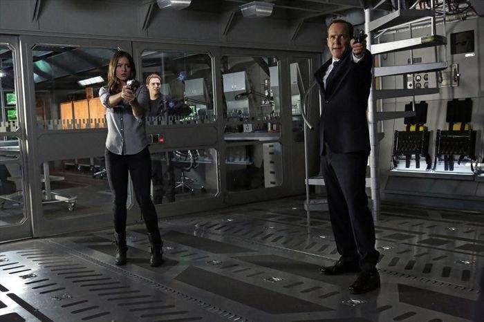 Marvel's Agents of S.H.I.E.L.D. Season 1 17