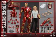 Iron Man Mark IX and Pepper Hot Toys 17