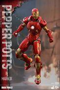 Iron Man Mark IX and Pepper Hot Toys 13