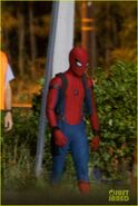 Tom-holland-spiderman-night-shoots-stunt-note-13