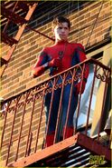Tom-holland-performs-his-own-spider-man-stunts-on-nyc-fire-escape-05