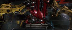 Iron-man1-movie-screencaps.com-8944