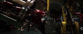 Iron-man1-movie-screencaps.com-8977