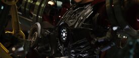 Iron-man1-movie-screencaps.com-8987
