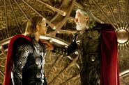 OdinStripsThor-Thor