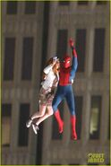 Spider-man-stunt-doubles-helicopter-scene-04