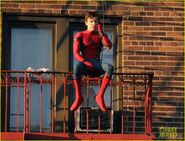 Tom-holland-performs-his-own-spider-man-stunts-on-nyc-fire-escape-12