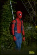 Tom-holland-spiderman-night-shoots-stunt-note-03