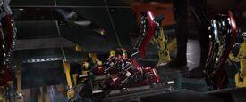 Iron-man1-movie-screencaps.com-8936