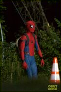 Tom-holland-spiderman-night-shoots-stunt-note-10