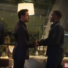 The-falcon-returns-in-new-avengers-age-of-ultron-images-359344.jpg