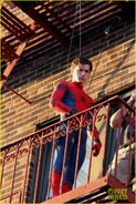 Tom-holland-performs-his-own-spider-man-stunts-on-nyc-fire-escape-10