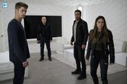 Agents of SHIELD S3E17 - The Team Image 03