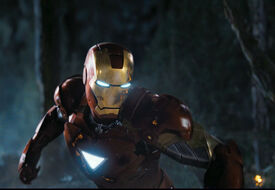 Iron-Man-prepares-for-battle gallery primary
