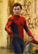 Tom-holland-spiderman-queens-hello-kitty-09