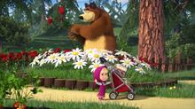 64 Маша, Даша и Медведь