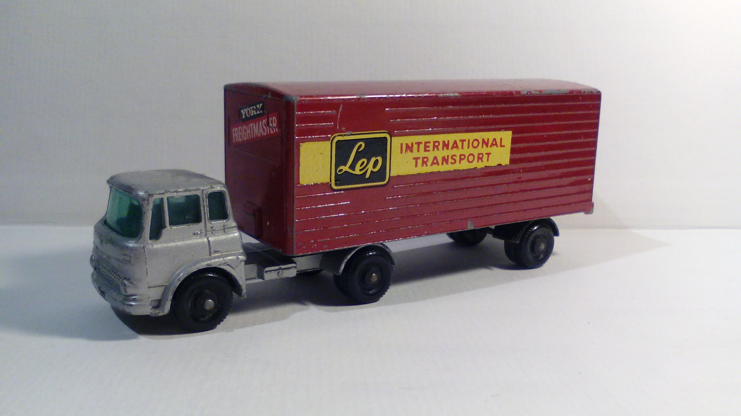 Bedford Tractor & York Freightmaster Trailer (M-2)