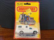 MB41 Ambulance - white 'Ambulance' -blister card