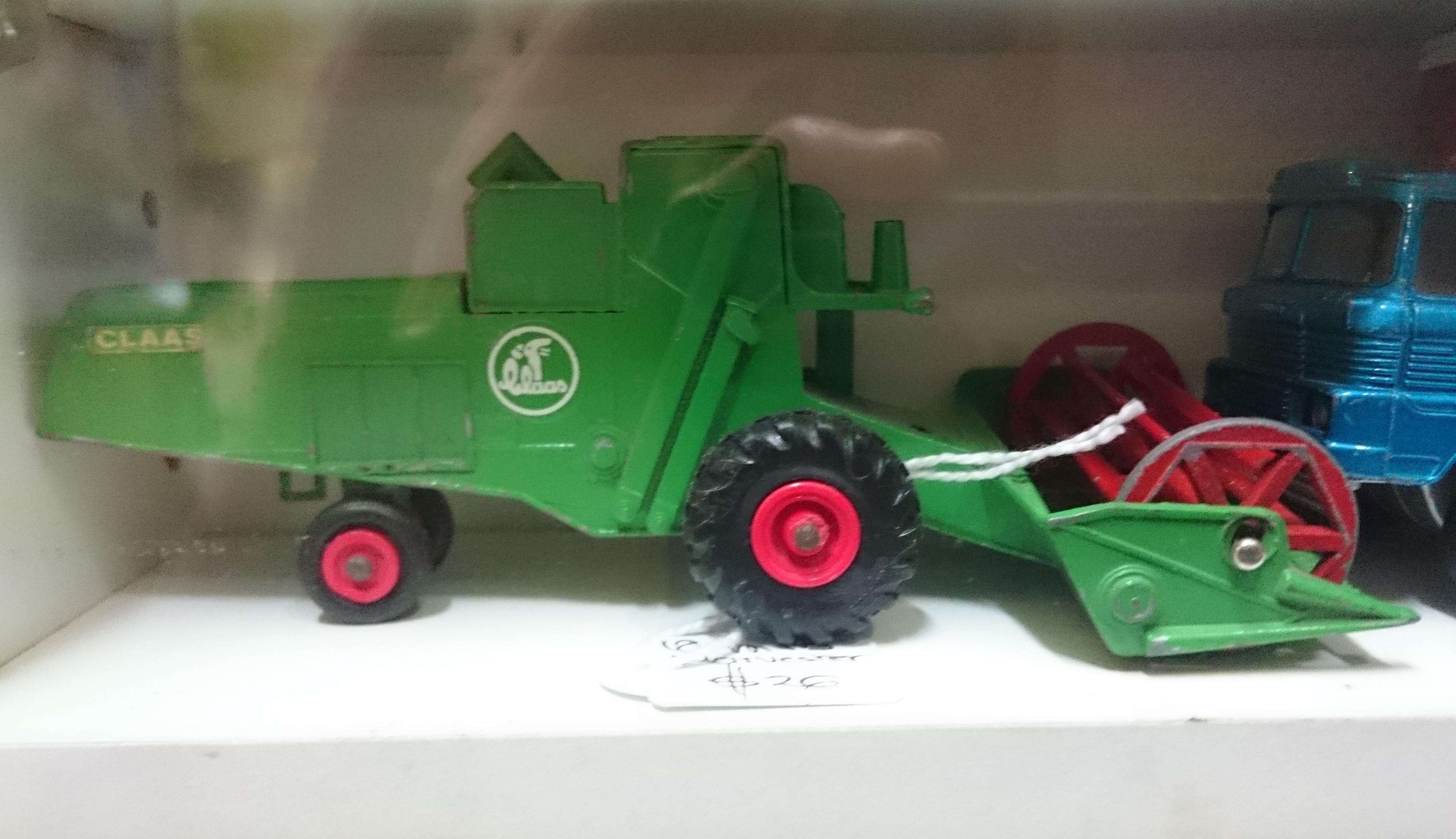 Claas Combine Harvester (K-9, green).JPG