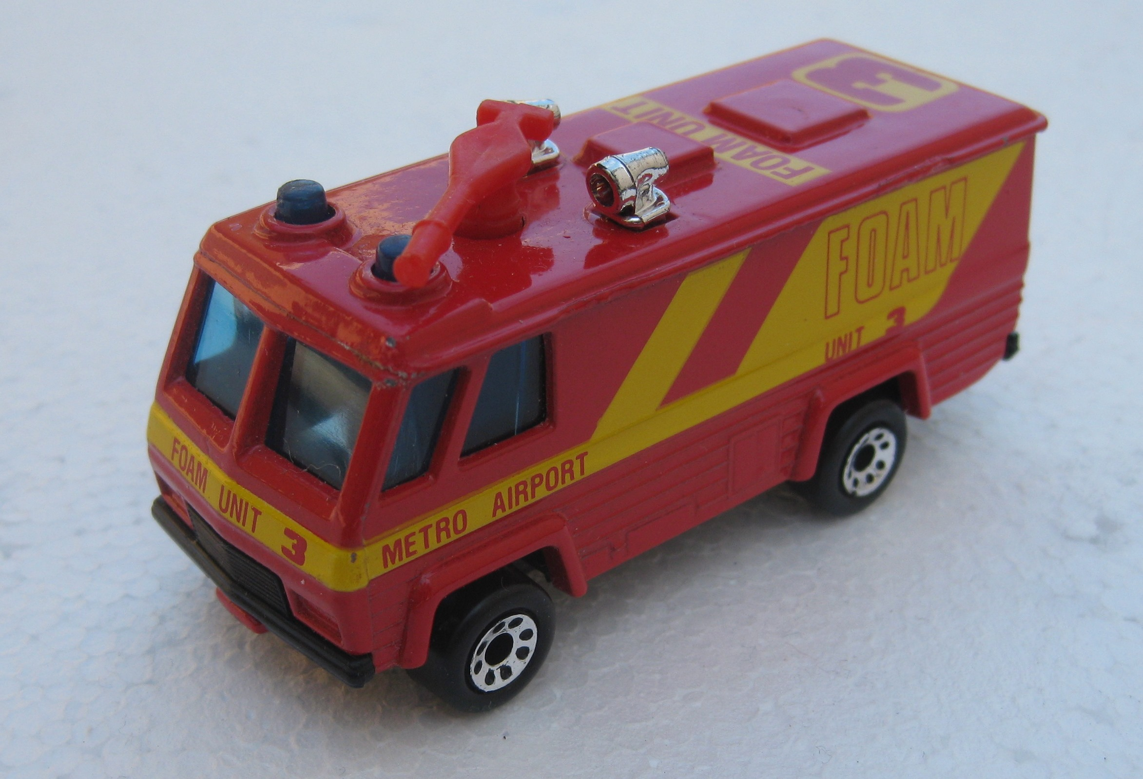 Command Vehicle (MB143, red & yellow).JPG