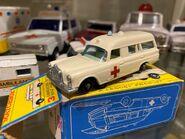 MB03 Mercedes-Benz Binz Ambulance - regular wheels - box 2