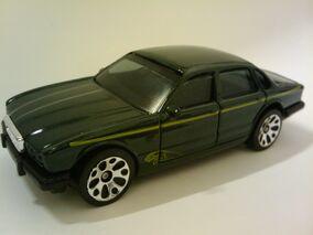 Jaguar XJ6.jpg