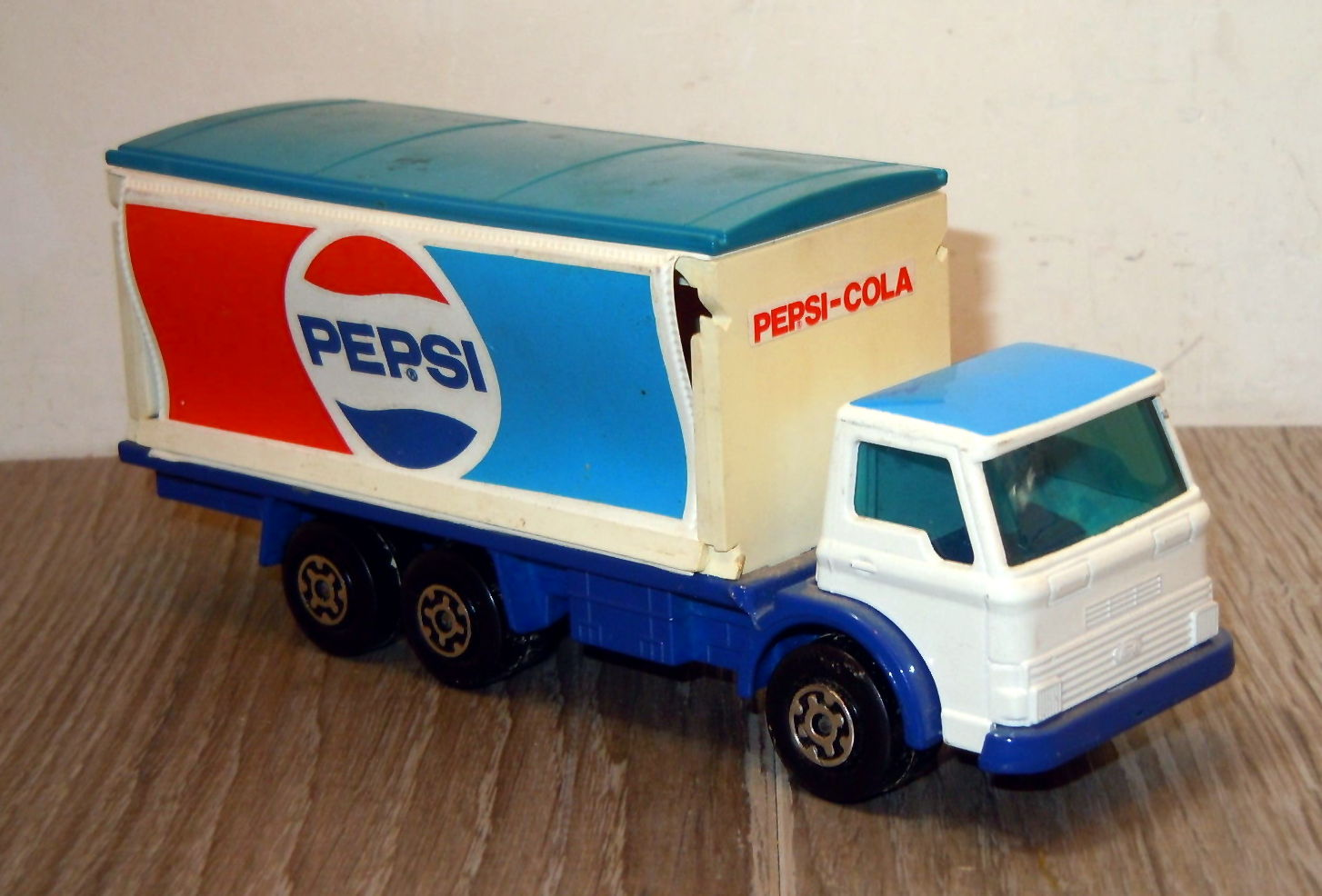 Delivery Truck and Fork Lift (1980-83 Blue)).jpg