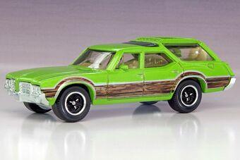 Lime Green Orange 1:68 W//dogs Matchbox /'71 Oldsmobile Vista Cruiser Diecast Lot