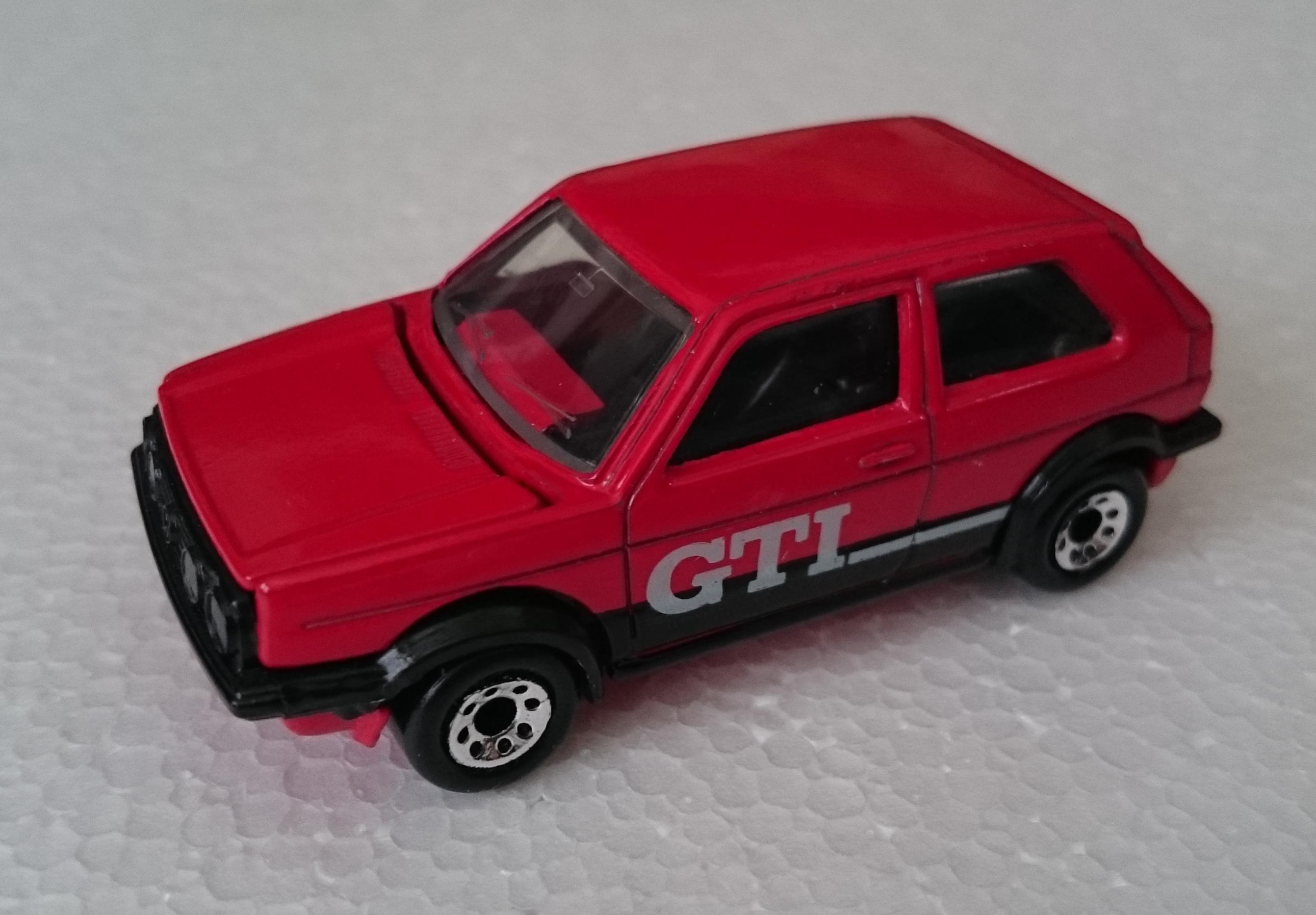 Volkswagen Golf GTi (MB152).JPG