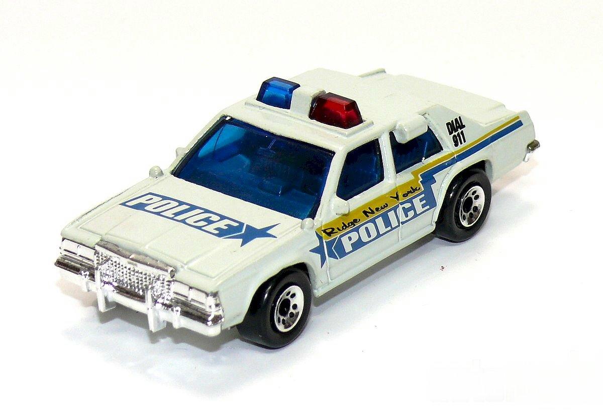 Ford LTD Police (1999 USA).jpg