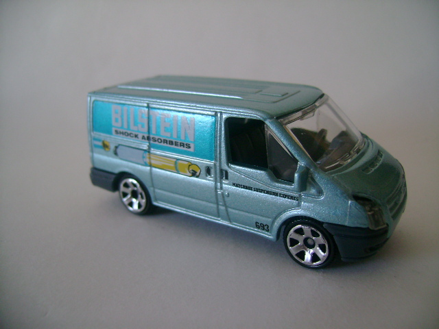 MB-28 2006 Ford Transit Van.jpg