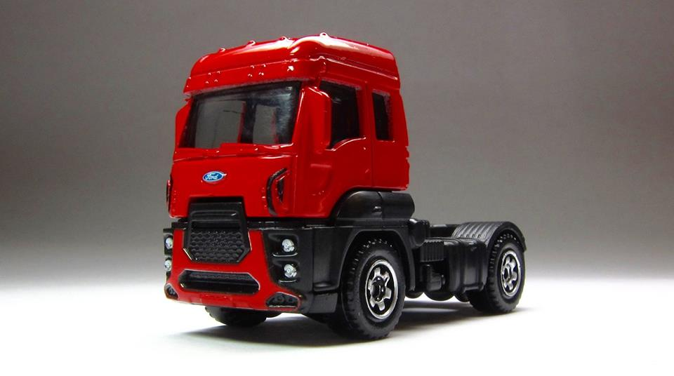 Ford Cargo (Red).jpg