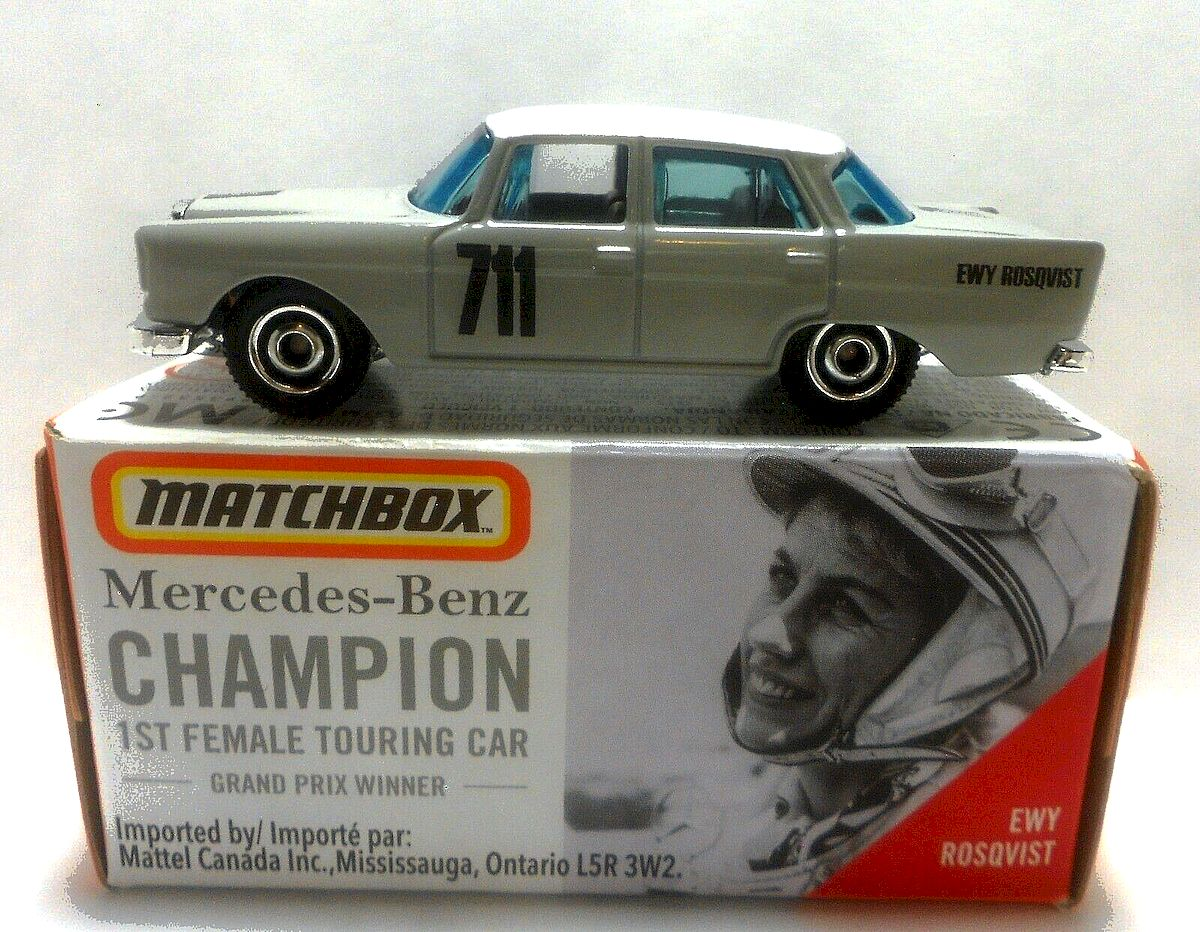 Mercedes-Benz 220SE (MB1220)