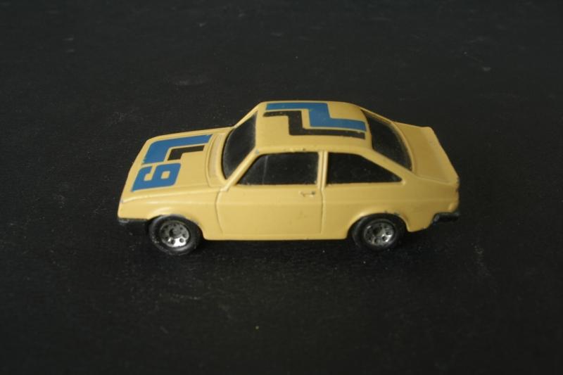 O9 Ford Escort.jpg