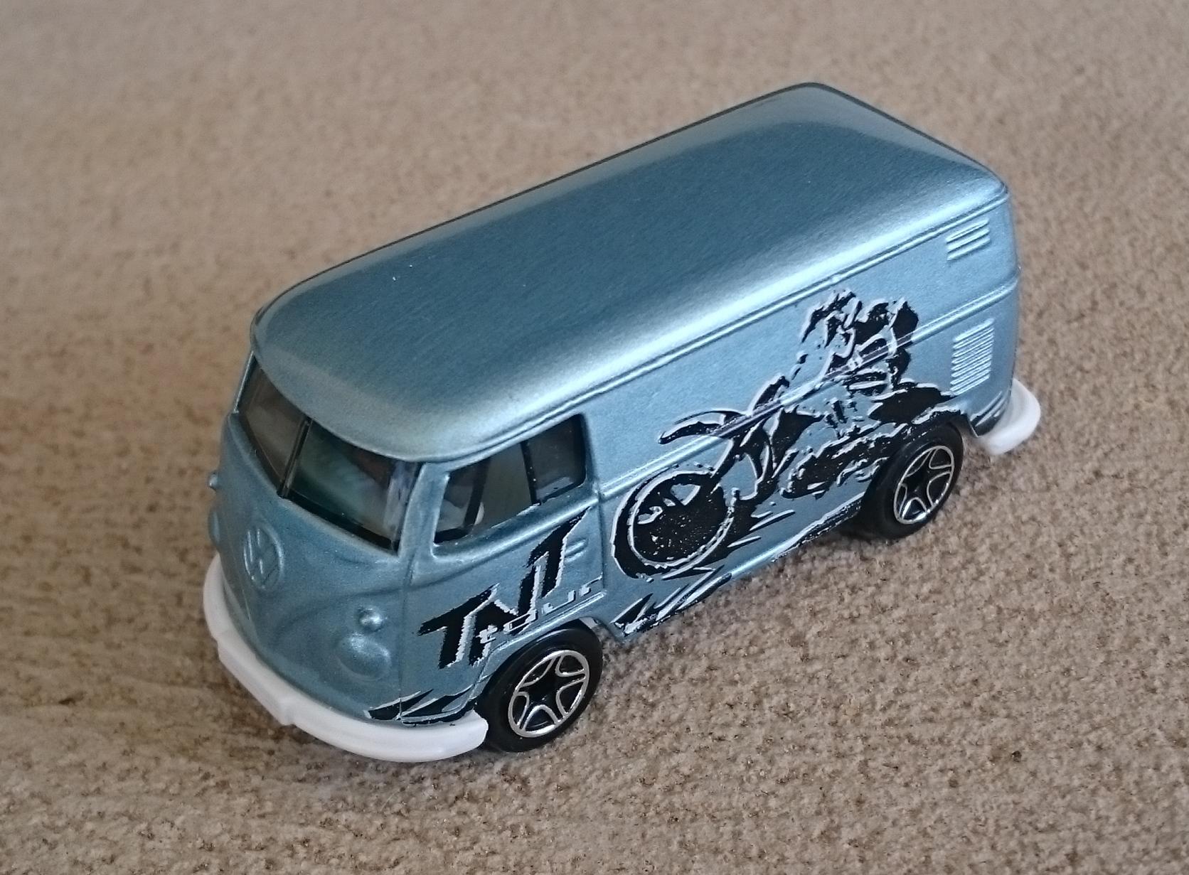 VW Delivery Van (MB405, 2000).JPG