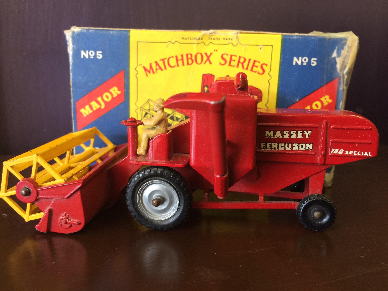 Massey Ferguson Combine Harvester (M-5)