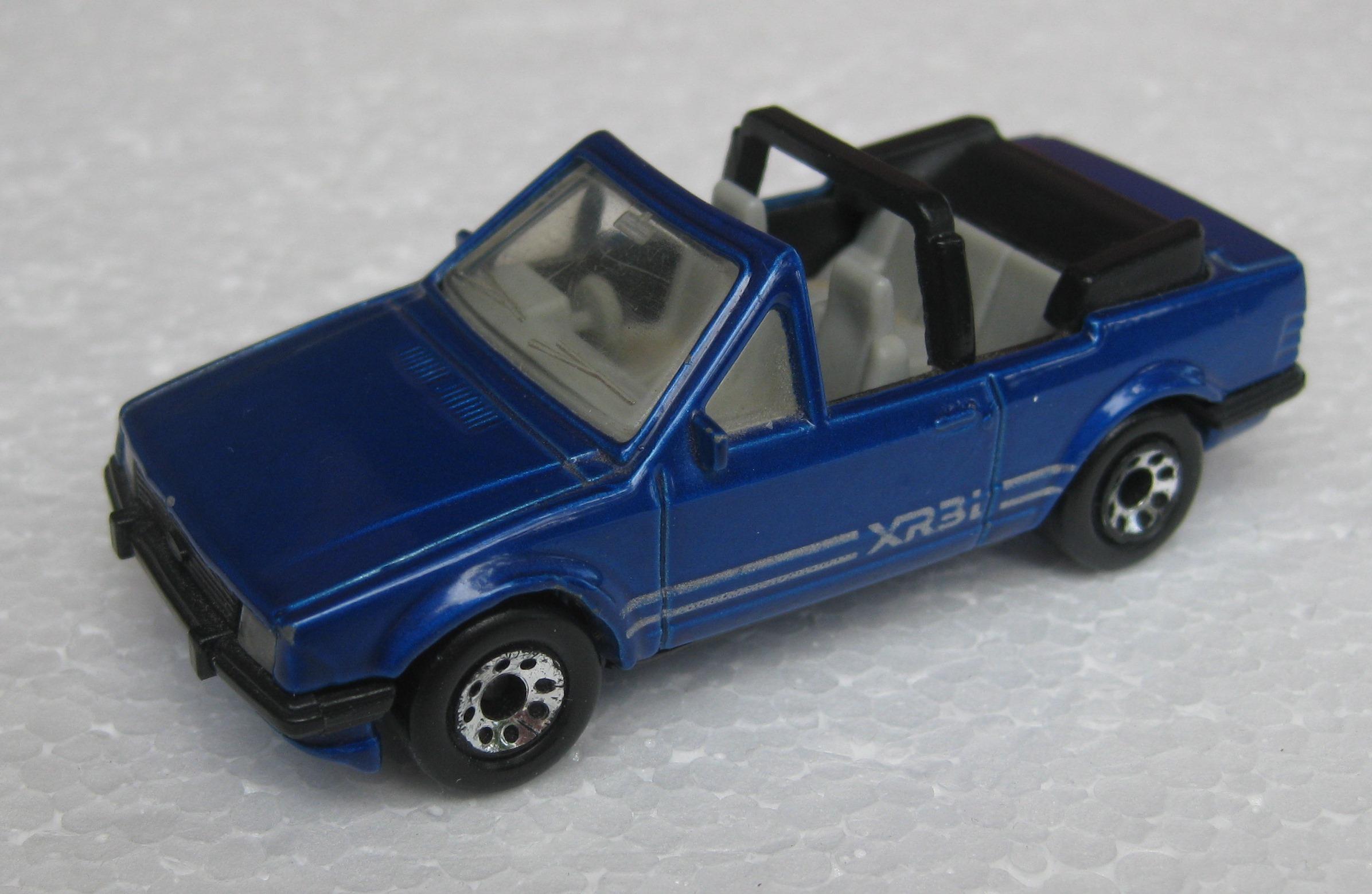 Ford Escort Cabriolet (MB156 - Blue).JPG