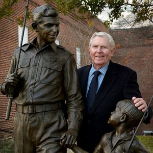 Andy Griffith and statue mt airy.jpg