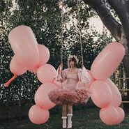 Mm swing balloon dog