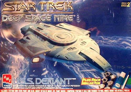 AMT Model kit 8398 USS Defiant 1997.jpg