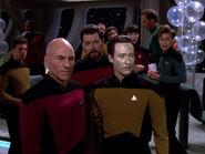 Picard Riker und Data reagieren auf Ros und La Forges Rückkehr 2368