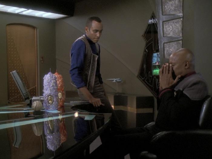 Sisko ist unsicher wegen der Hochzeit.jpg