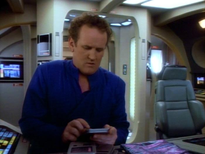 O'Brien liest seine Bildungsprogramme im Urlaub.jpg