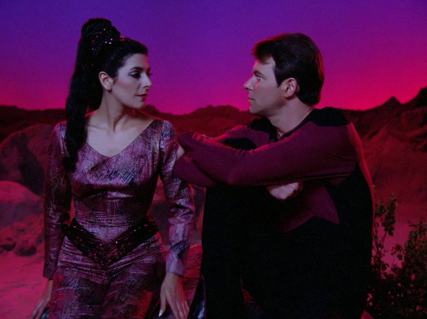 Riker und Troi auf dem Holodeck.jpg