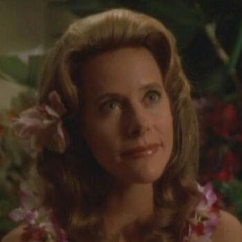 Marayna, as she appeared in <i>Voyager</i>'s holodeck