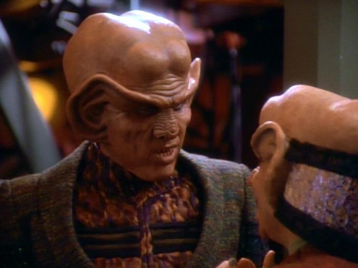 Nog berichtet Quark von seinem Ausflug in den Gamma-Quadranten.jpg