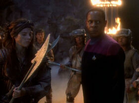 Sisko with Ennis and Nol-Ennis.jpg
