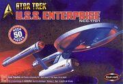 Polar Lights Model kit PL4200 USS Enterprise 2003.jpg