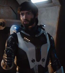 Spock avec un phaseur contre....jpg